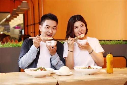 北京特色酸菜鱼饭加盟店如何吸引90后年轻人注意