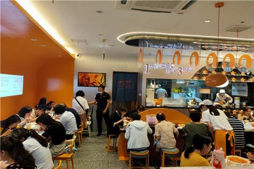 鱼你在一起怎样打造特色酸菜鱼米饭连锁加盟店特色